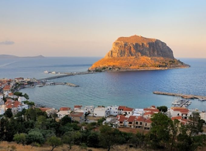 Αεροπορικές Εκδρομές Ευρώπη Τριήμερη εκδρομή του Αγίου πνεύματος στα πανέμορφα μέρη της Πελοποννήσου
